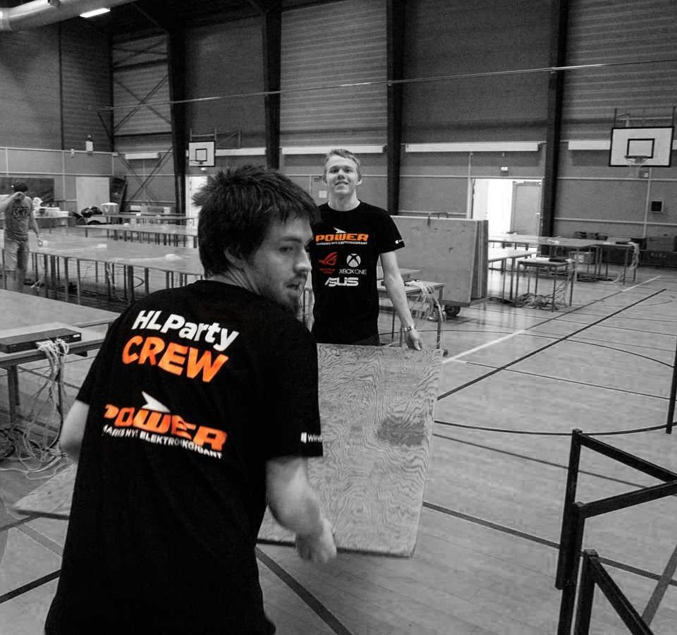HLParty Crew med Power trøje på